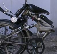 Modernes Faltrad im gefalteten Zustand
